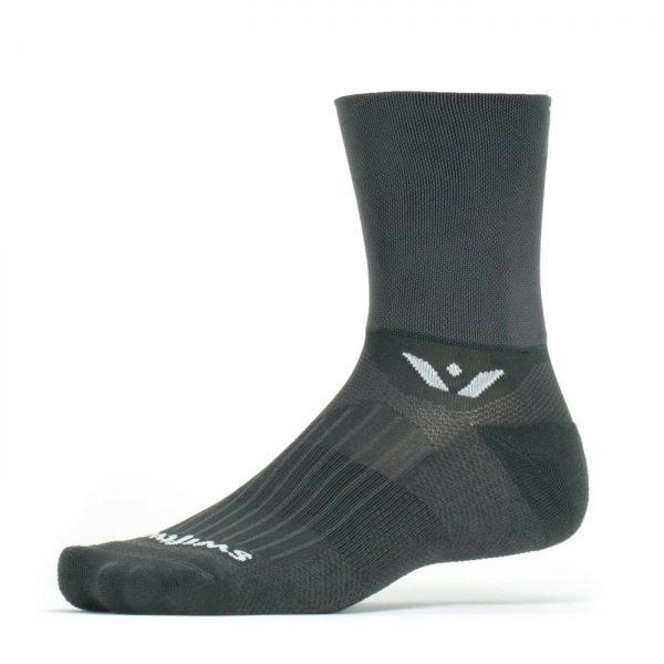 Swiftwick-aspire-four-cycling-sock-black