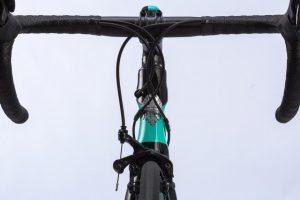 bianchi-oltre-xr3-ultegra-Aero-Road-bike-3
