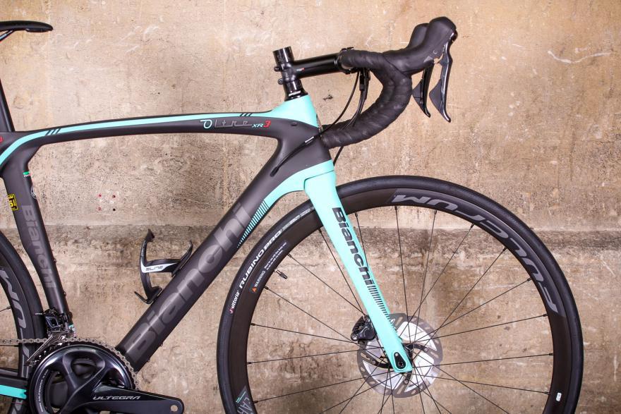 Top-Level Bikes - Bianchi Oltre Xr3 Disc Road Bike ...