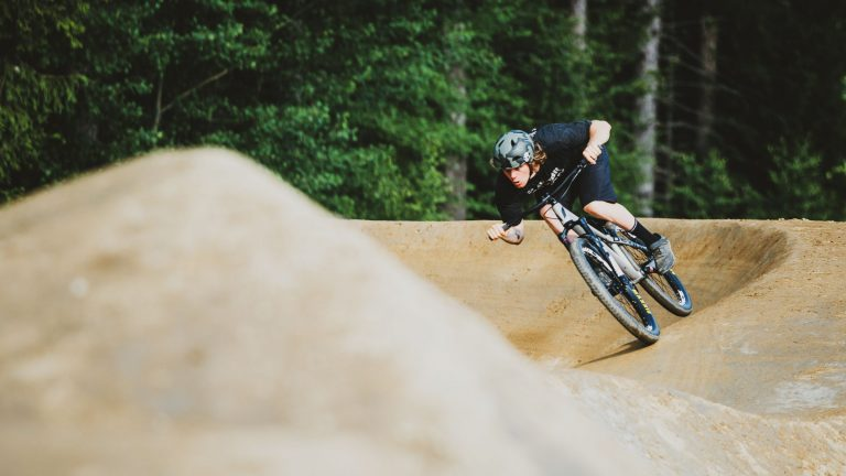 Devinci-Sabbath-Pump-Track-Bike-MTB-Trick-Jumping-Action-2