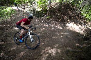 2020-Devinci-Hatchet-Carbon-Apex1-Gravel-Road-Bike-DIsc-action-2