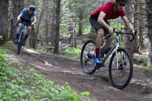 2020-Devinci-Hatchet-Carbon-Apex1-Gravel-Road-Bike-DIsc-action-3