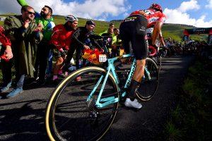 Primoz-Roglic-Bianchi-oltre-xr4-mountain-stage-vuelta-spagna-2019