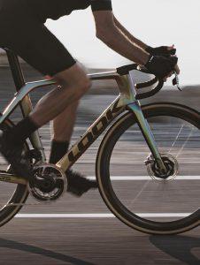 Look-795-blade-rs-disc-carbon-road-bike-aero-sram-red-axs-chamaleon-3