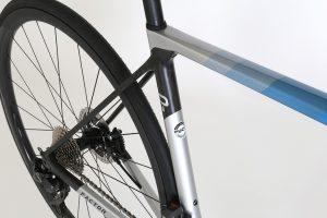factor-o2-lightweight-roadbike-climbing-endurance-miami-blue-6