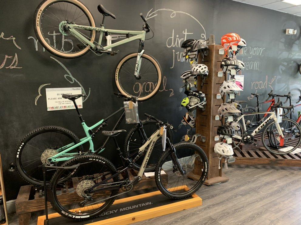 Collareta-Cycling-Bike-Shop-Plantation-FL-Rocky-Mountain-bikes