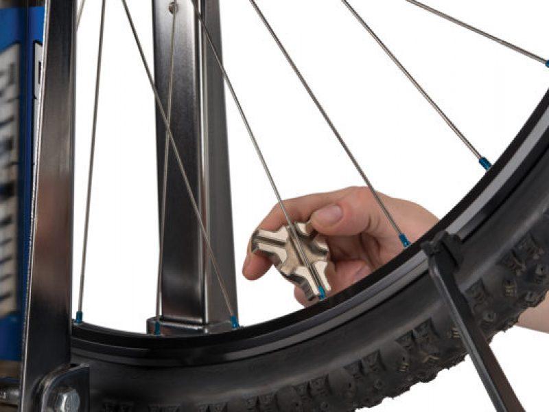 Spoke-wrench-tool